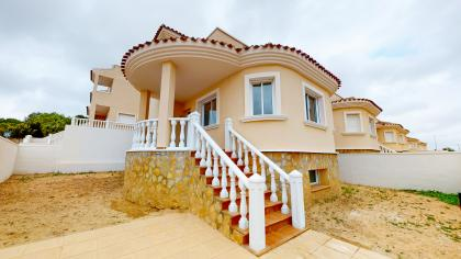 3 Bed 2 Bath Detached Villas in San Miguel de Salinas with Underbuild San Miguel De Salinas